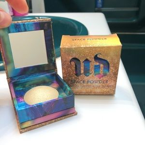 NIB URBAN DECAY SPACE POWDER